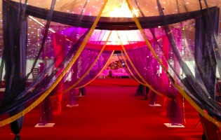 Wedding decoration ideas asian images wedding dress decoration asian wedding theme image collections wedding decoration ideas asian wedding themes image collections wedding decoration ideas junglespirit Images